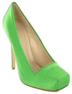 Alexander McQueen Green Pumps