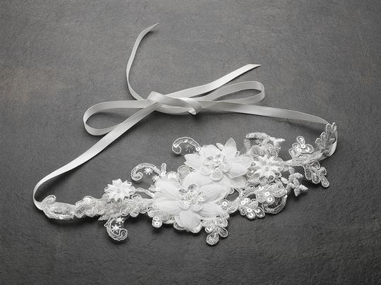White Luxurious Lace Applique Ribbon Headband with Georgette Flowers Tiara