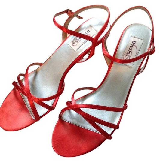 Preload https://item2.tradesy.com/images/dyeables-crimson-meriden-satin-sandals-formal-shoes-size-us-85-regular-m-b-5523451-0-0.jpg?width=440&height=440