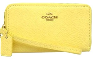 Coach COACH F63257 CROSSGRAIN LEATHER ZIP CASE Light Gold/Pale Yellow