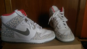 Nike White/Coral/Gray Leoparf Print Athletic