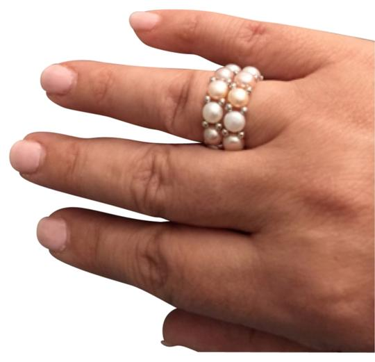Preload https://img-static.tradesy.com/item/5524456/white-peach-and-pink-over-tone-ring-0-0-540-540.jpg