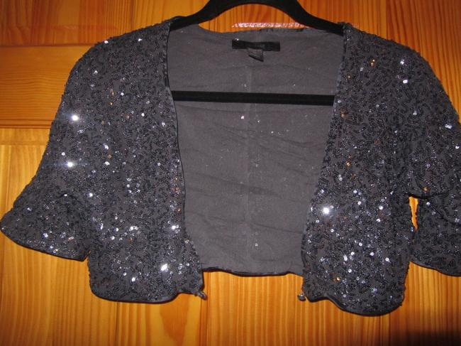Preload https://img-static.tradesy.com/item/552469/express-pewter-gray-sequin-cropped-sparkle-night-out-top-size-8-m-0-0-650-650.jpg