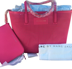 Marc by Marc Jacobs Tote in Fuchsia Purple