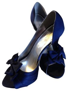 David's Bridal Navy blue Pumps