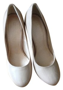 Colin Stuart Nude Pumps