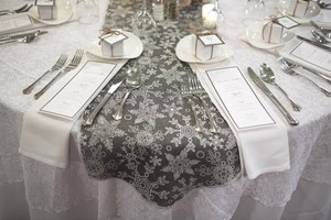 13 Burlap Winter Wedding Table Runners