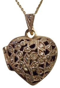 vintage sterling silver filigree locket