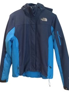 Preload https://item2.tradesy.com/images/the-north-face-blue-puffyski-coat-size-8-m-5528596-0-0.jpg?width=400&height=650