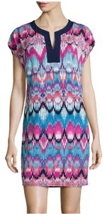 Laundry by Shelli Segal short dress Rose, Violet Multi Split-neck Short-sleeve Cap Sleeves Relaxed Silhouette Straight Hem Pullover Style Machine Washable on Tradesy