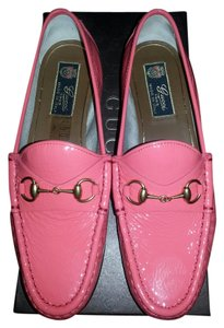 Gucci Classic Horsebit Loafers Leather Patent Begonia Pink Flats