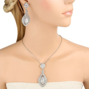 Zircon Teardrop Necklace Earrings Set