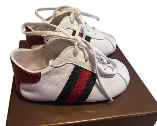 Preload https://item4.tradesy.com/images/gucci-white-leather-with-a-green-and-red-stripe-bootsbooties-size-us-13-5535268-0-0.jpg?width=440&height=440