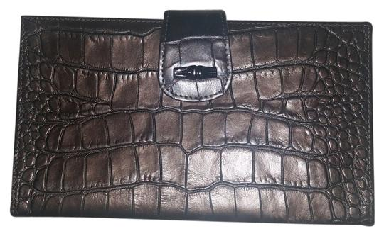 Preload https://item1.tradesy.com/images/longchamp-gray-real-leather-excellent-preowned-wallet-5536090-0-0.jpg?width=440&height=440