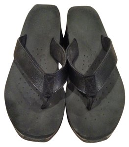 Volatile Size 8 Black Sandals