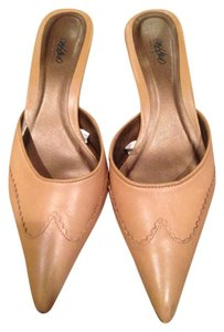 Mossimo Supply Co. 7.5m Tan Mules