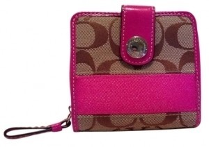 Coach Small Signature Coach Wallet