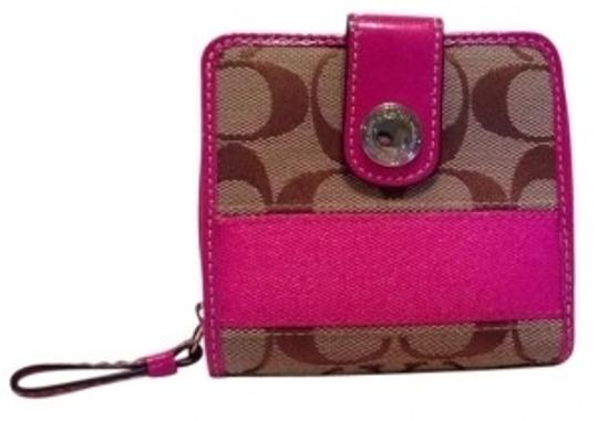 Preload https://item4.tradesy.com/images/coach-pink-beige-brown-small-signature-wallet-5538-0-0.jpg?width=440&height=440