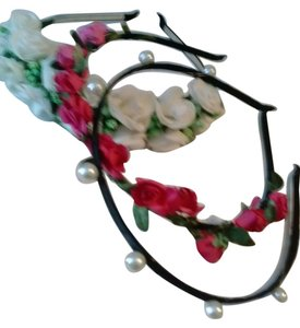 3 NEW! Fancy Headbands! 2 Floral, 1 pearls on black