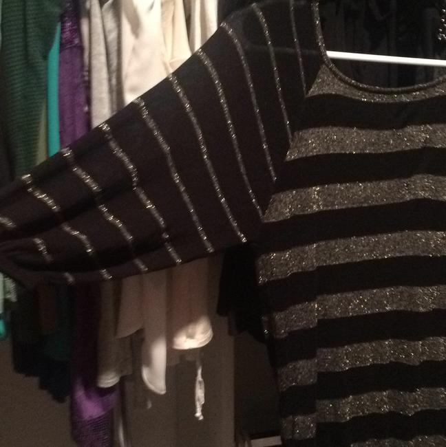 Guess Top Black and gold