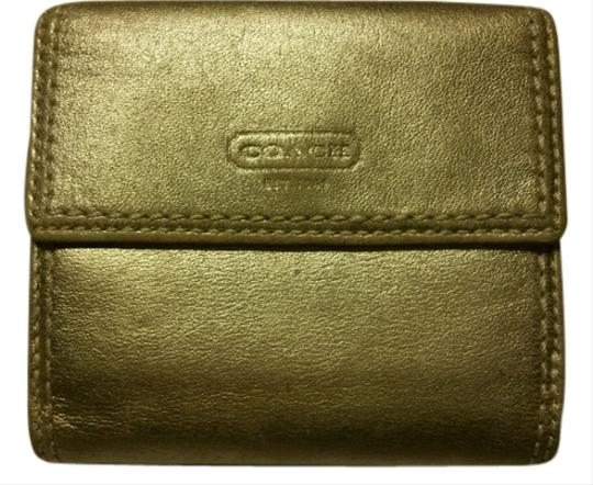 Preload https://item3.tradesy.com/images/coach-gold-wallet-5546227-0-0.jpg?width=440&height=440