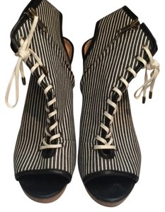 Steven by Steve Madden Black/white Wedges