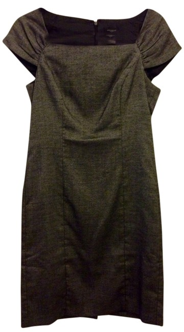 Preload https://item2.tradesy.com/images/ann-taylor-grey-knee-length-workoffice-dress-size-4-s-555021-0-0.jpg?width=400&height=650
