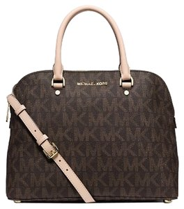 Michael Kors Mk Signature Large Large Cindy Cindy 889154023604 Logo Handbag Nwt New With Tags Satchel in Brown
