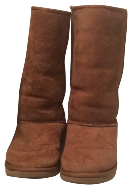 Item - Tan Classic Boots/Booties Size US 9 Wide (C, D)