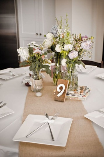 "90""x12"" Burlap Table Runners: Qty 35"