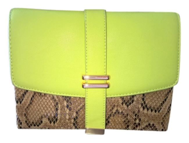 Item - Small Night Out Stylish Bright Yellow / Crocodile Skin Leather Clutch