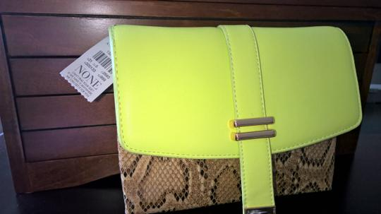 Ann Taylor Small Night Out Stylish Bright yellow / crocodile skin Clutch