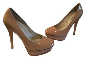 Vera Wang Lavender Label camel all leather stiletto heels pumps Platforms