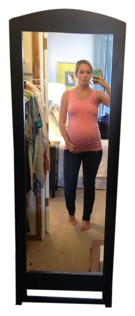 Preload https://item5.tradesy.com/images/gap-maternity-tank-top-white-and-coral-5553289-0-0.jpg?width=400&height=650
