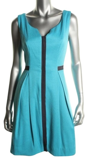 Preload https://item4.tradesy.com/images/blue-short-workoffice-dress-size-4-s-5556568-0-0.jpg?width=400&height=650