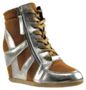 Bakers Tan and Silver Wedges