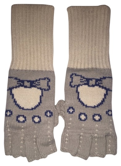 Preload https://item4.tradesy.com/images/urban-outfitters-gloves-5558563-0-0.jpg?width=440&height=440