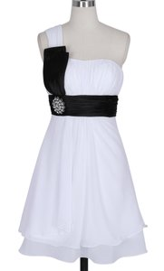 White Chiffon One Shoulder Pleated W/ Rhinestones Modern Wedding Dress Size 8 (M)