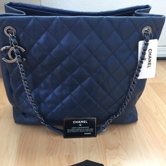 Chanel Tote in Metallic blue