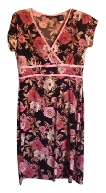 Preload https://img-static.tradesy.com/item/555939/faith-love-passion-black-floral-faux-wrap-short-casual-dress-size-6-s-0-0-650-650.jpg