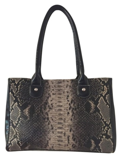 Preload https://item5.tradesy.com/images/wilsons-leather-tote-bag-black-5560834-0-0.jpg?width=440&height=440