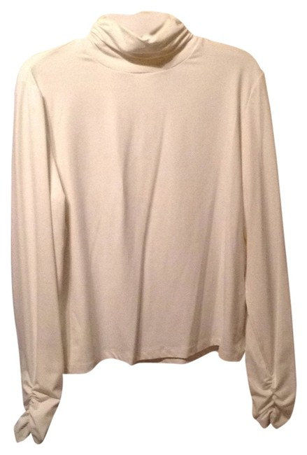 Preload https://item1.tradesy.com/images/doncaster-white-spandex-turtle-neck-sweaterpullover-size-16-xl-plus-0x-5561095-0-0.jpg?width=400&height=650