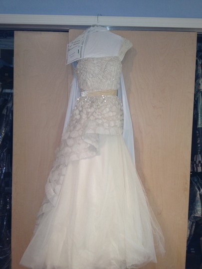 Monique Lhuillier Ivory Tulle Bridal Modern Wedding Dress Size 2 (XS)