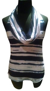 Ella Moss Top blue and white