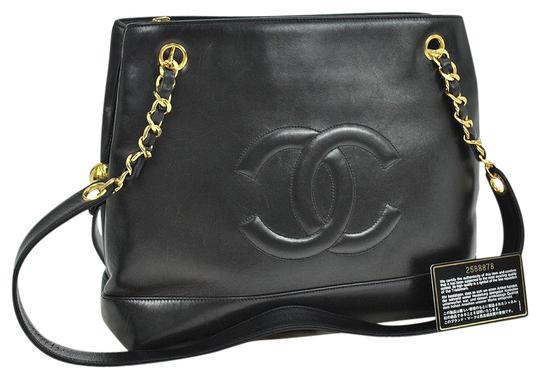 Preload https://img-static.tradesy.com/item/5563930/chanel-cc-logos-gold-chain-black-lambskin-leather-shoulder-bag-0-2-540-540.jpg