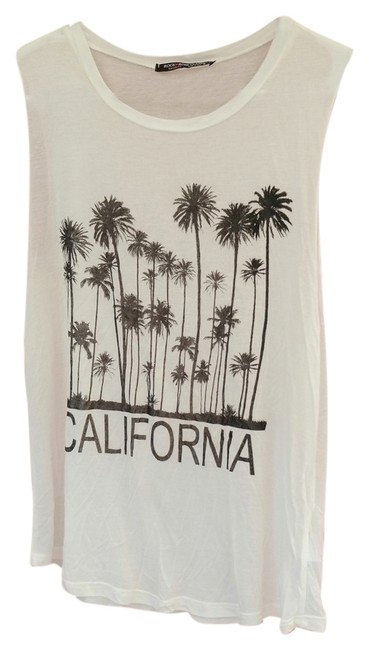 Preload https://item2.tradesy.com/images/white-tank-topcami-size-6-s-5564476-0-0.jpg?width=400&height=650