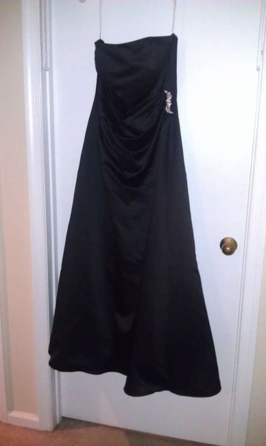 Item - Black Satin Gown with Drape Brooch Style 8567 Formal Bridesmaid/Mob Dress Size 14 (L)