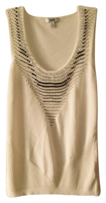 Preload https://item1.tradesy.com/images/cache-cream-night-out-top-size-10-m-5568310-0-0.jpg?width=400&height=650