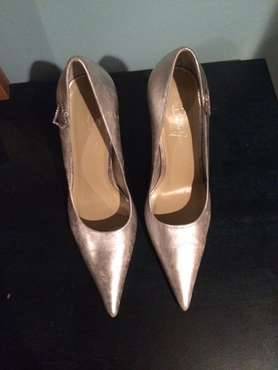 Bellagio Silver/ White Pumps