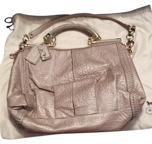 Coach Satchel in champagne
